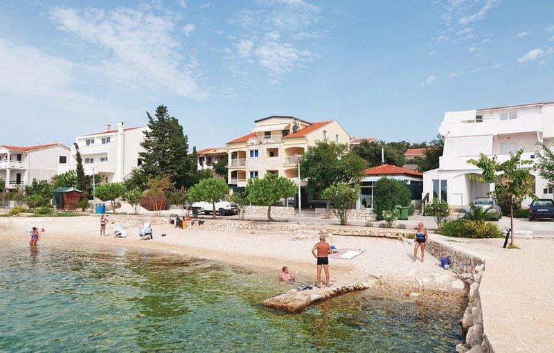 Mandre Apartment Sleeps 4 with Air Con - 5462276, casa vacanza a Olib