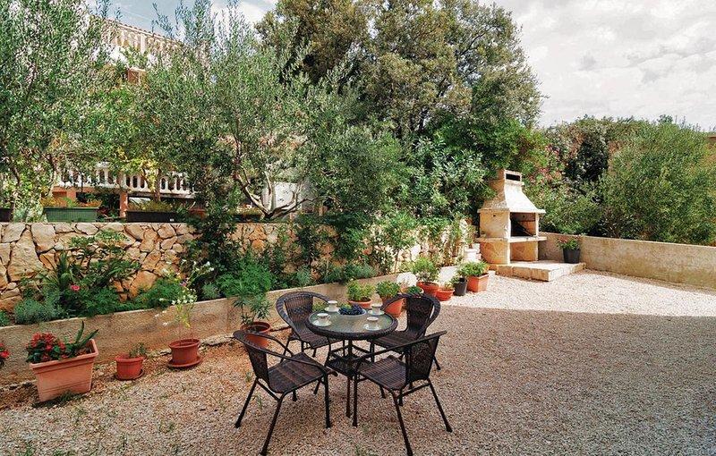 Mandre Apartment Sleeps 4 with Air Con - 5462280, casa vacanza a Olib