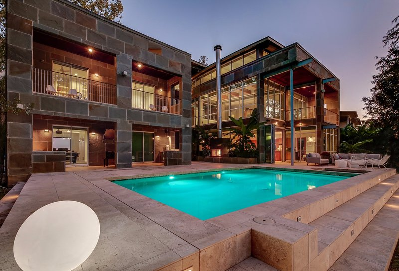 THE ABOVE EMERALD ESTATE ON LAKE AUSTIN, holiday rental in Rollingwood