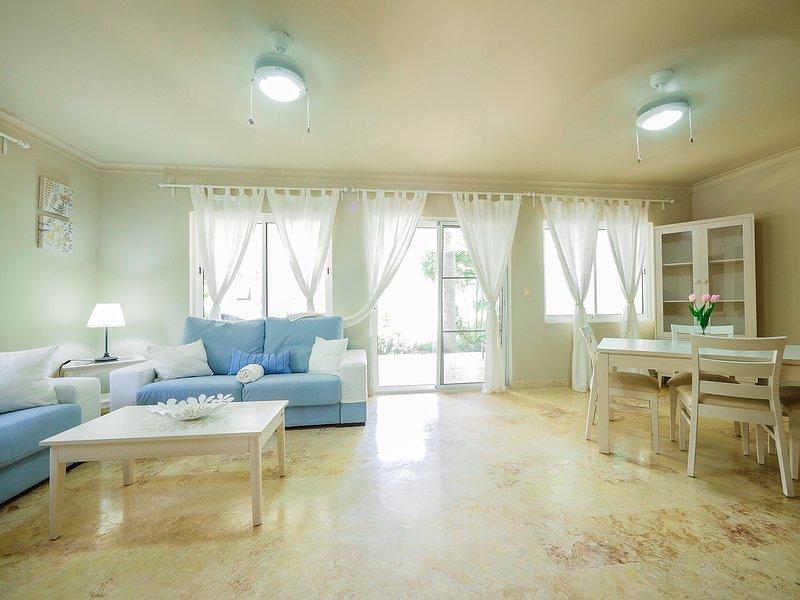 Luxury Beach House 2 bedrooms, Playa Turquesa Ocean Club ...