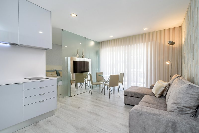 Parede Suite & Beach | Luxurious Edition, holiday rental in Sao Domingos de Rana