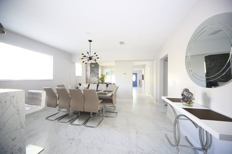 CHIC CLASSY 3BR/2BATH HOUSE - SPEND HOLIDAYS IN STYLE!!, vacation rental in Miami