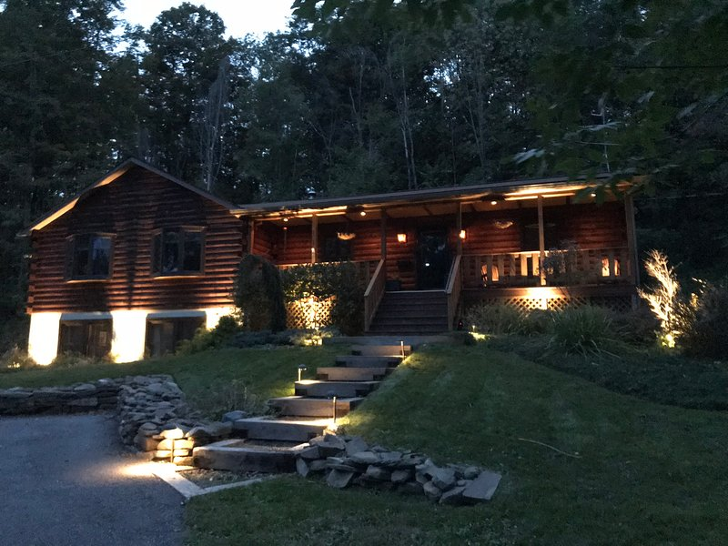 42 North - The Log House, vacation rental in Schuyler Lake