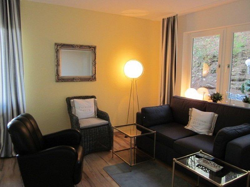 Haus am Wald - ruhige, gepflegte Wohnung nahe Universität und Klinikum Sulzbach, holiday rental in Mandelbachtal