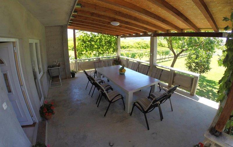 Ljubac Apartment Sleeps 9 with Air Con - 5464974, holiday rental in Ljubac