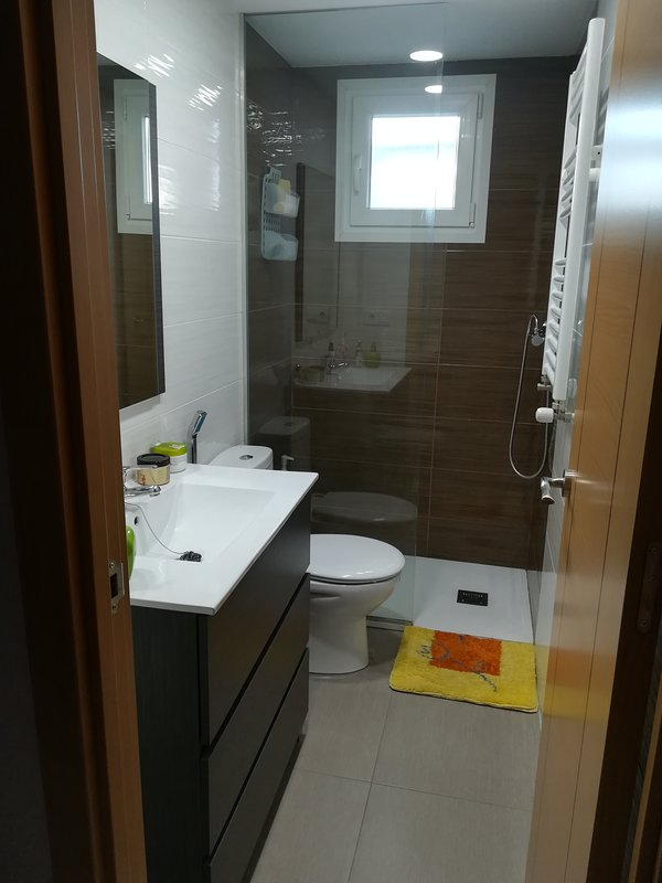 Completely new bathroom exclusively for the room