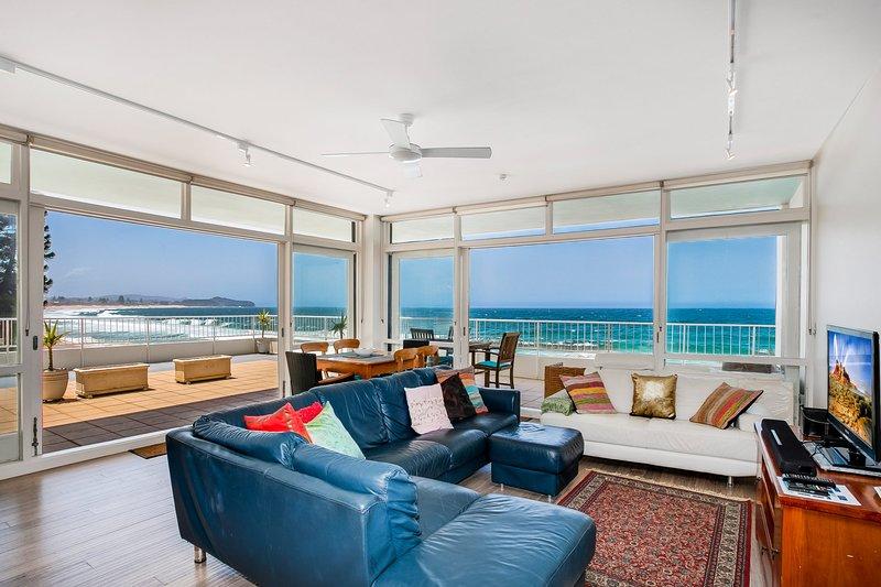 Collaroy Beachfront - Collaroy Beach, NSW, holiday rental in North Narrabeen