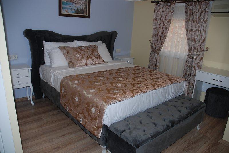 La Mer Boutique Hotel (Bedroom 1), vacation rental in Princes' Islands