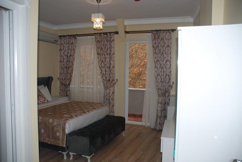 La Mer Boutique Hotel (Bedroom 3), holiday rental in Heybeliada