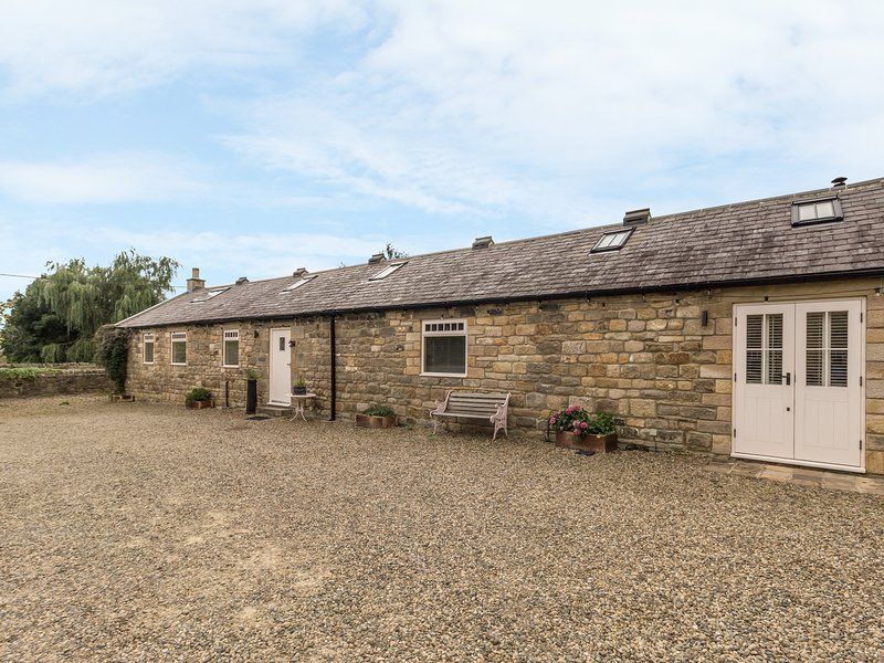THE COWSHED luxury single-storey barn conversion, character features, en-suite, holiday rental in Shotley Bridge