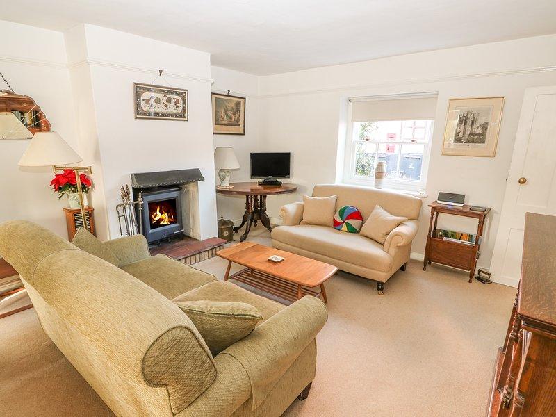 Garden Walk Inn: 28 OXBOROUGH, Woodburner, Garden With Furniture, Village