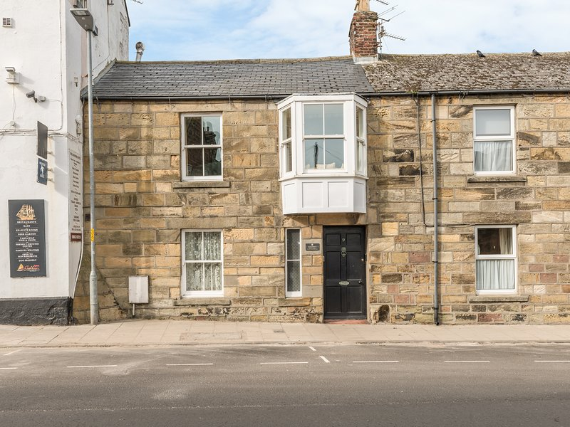 JACKSON COTTAGE, family friendly, character holiday cottage in Alnmouth, Ref 407, holiday rental in Longhoughton