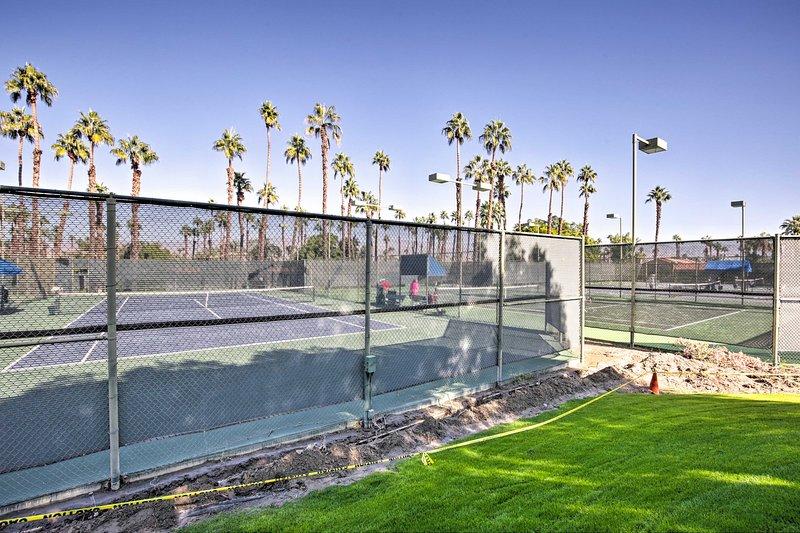 Tendrás acceso a 16 canchas de tenis!