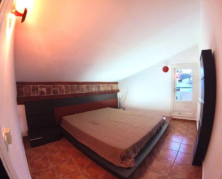 Amazing apartment with balcony, holiday rental in Genevilla