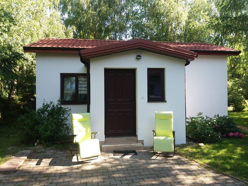 Little white cottage, vacation rental in Wojciechow