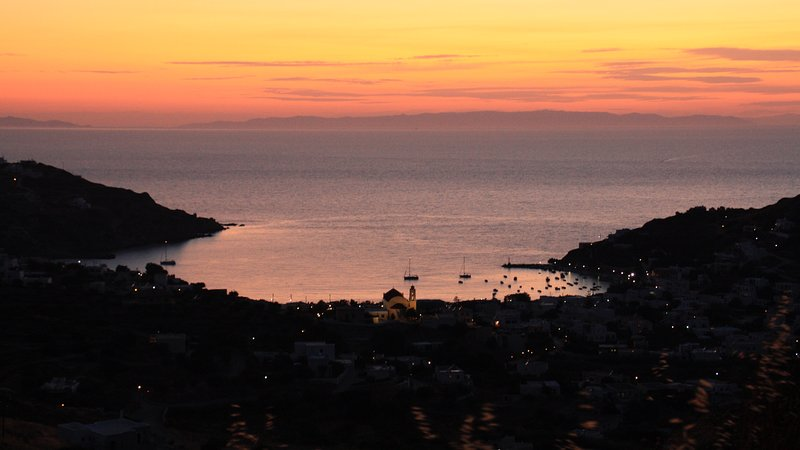 Aegean sunsets, vacation rental in Megas Gialos