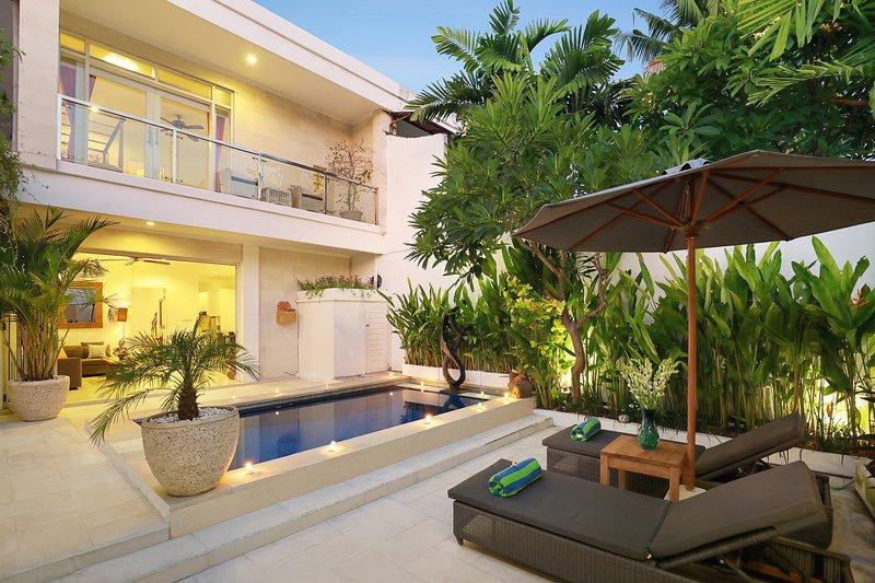 Villa Lamac, spectacular villa 5 minutes to beach., holiday rental in Legian