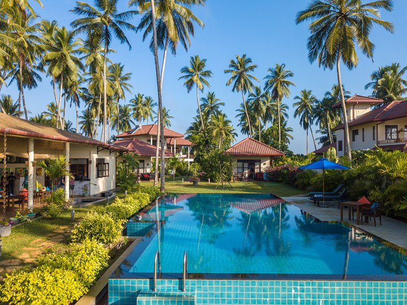 Lanka Beach Bungalows, vacation rental in Medaketiya