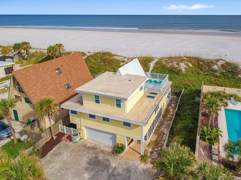 Great Ocean Front Home w/ Spectacular Views on a non-driving Beach!!!, casa vacanza a Saint Augustine