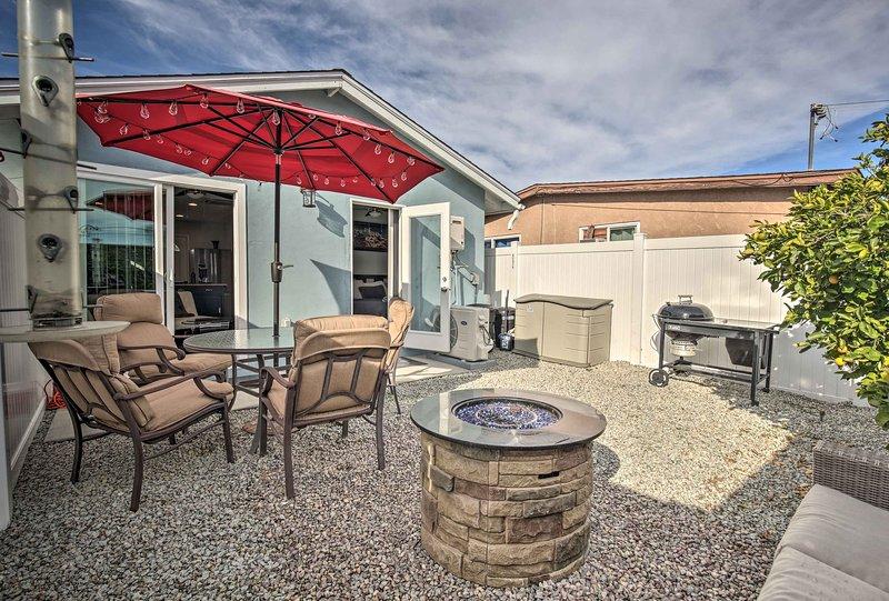 Unwind in this lavish 2-bedroom, 1-bathroom vacation rental cottage.