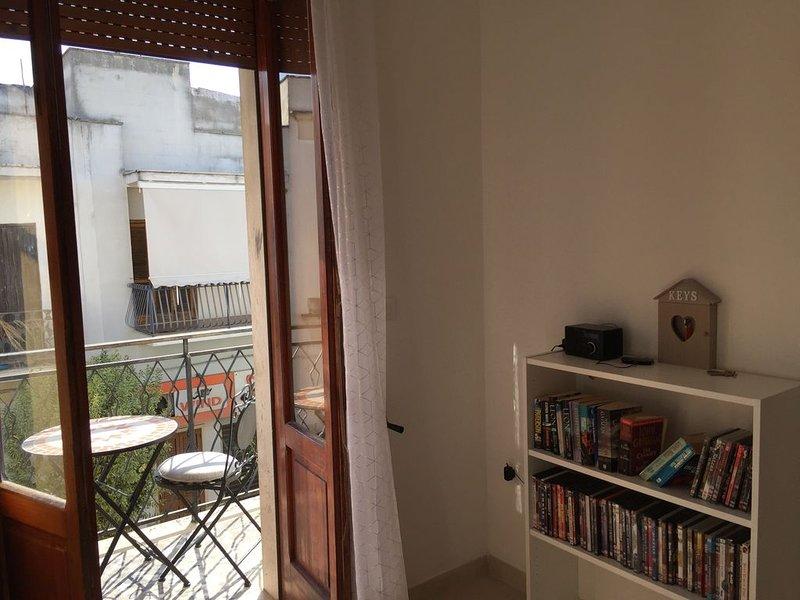 Central spacious apartment with roof terrace in Salento, Puglia, location de vacances à Cutrofiano