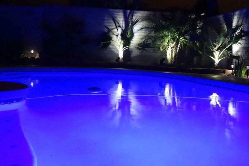 Quiet 2 bedroom 2 bath Modern Desert Retreat Home with Private Pool, location de vacances à Vail