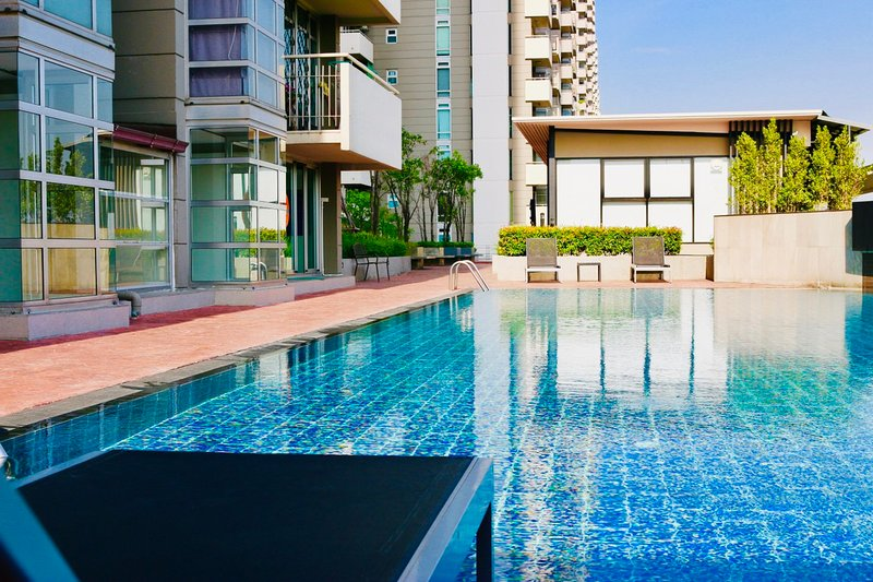 The 21 Muangthongthani and Impact, vacation rental in Nonthaburi