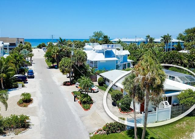 Lemon Tree  - just steps away from the beach - small pets welcome!, holiday rental in Holmes Beach