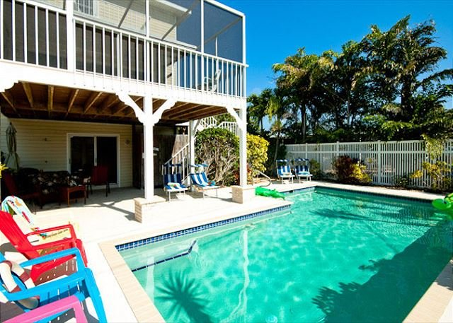 Sandcastle - Spacious home with amazing private pool - only minutes to beach!, holiday rental in Holmes Beach