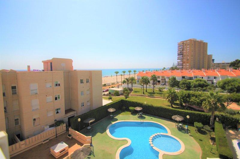 Apartamento en 1ª línea playa Muchavista en Urb. Veracruz, holiday rental in Campello