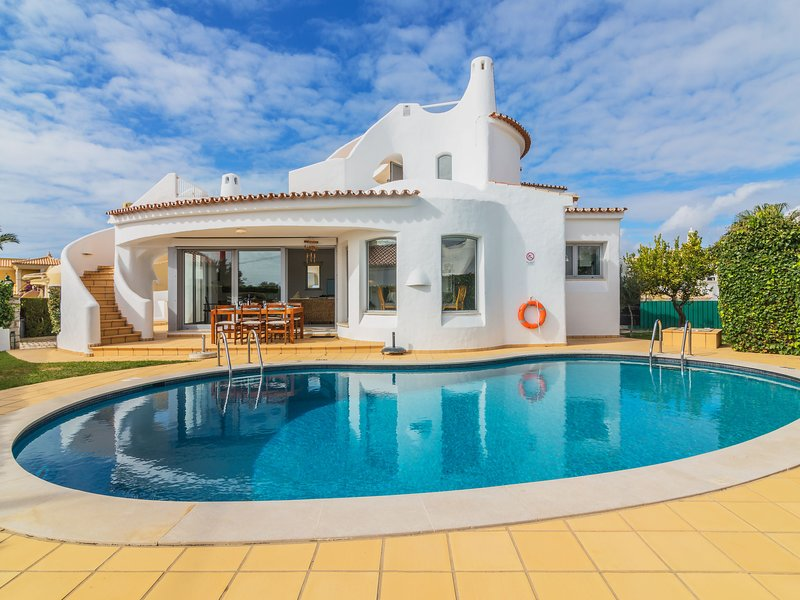 Arribas Villa, holiday rental in Patroves
