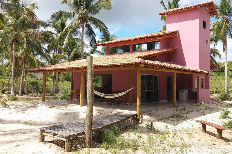 Casa Rosa - Mar Doce de Abrolhos, holiday rental in Alcobaca
