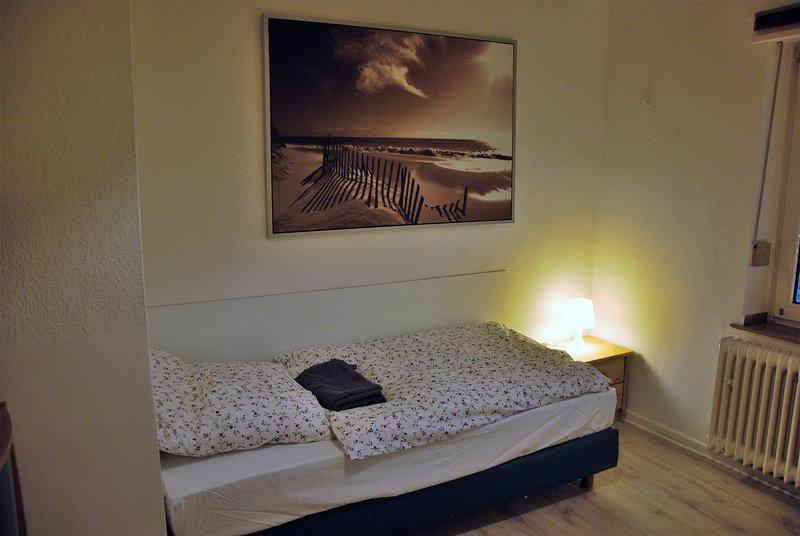 Möbeliertes 2-Zimmer-Appartement zentral in Köln an der Messe, alquiler vacacional en Rieth