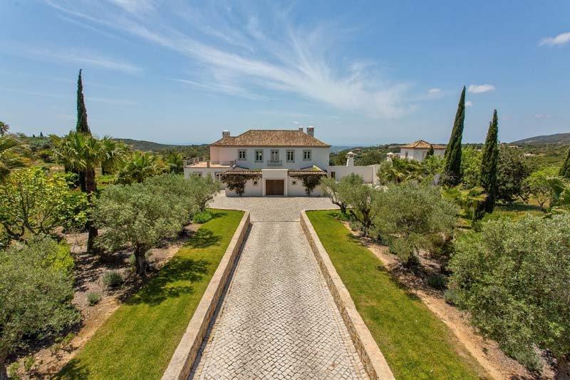 Agostos Villa Sleeps 11 with Pool Air Con and WiFi - 5696365, casa vacanza a Santa Barbara de Nexe
