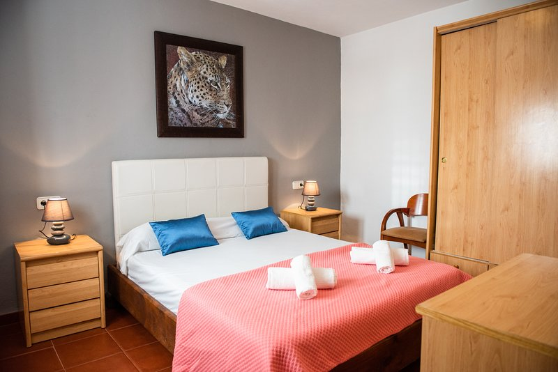Villa Violet boasts of 5 good sized bedrooms. Here's one of the spacious double bedrooms.