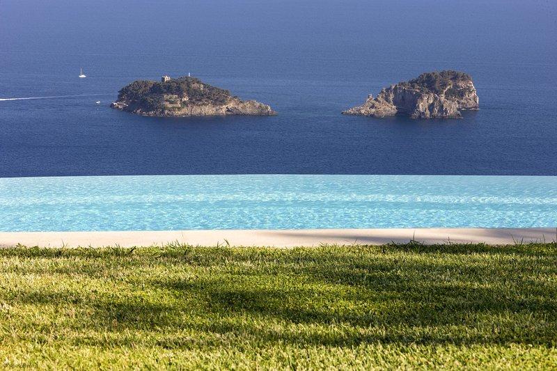 Villa Miragalli Luxury - At Villa Miragalli, you have found a slice of heaven!, location de vacances à Sant'Agnello