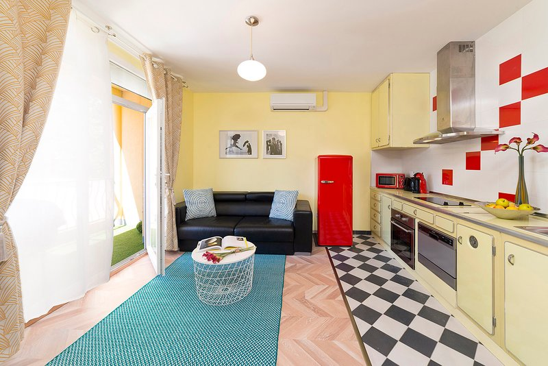 Bru Vintage Near Paris / 2 furnished rooms / Parking / Clim, holiday rental in Gentilly