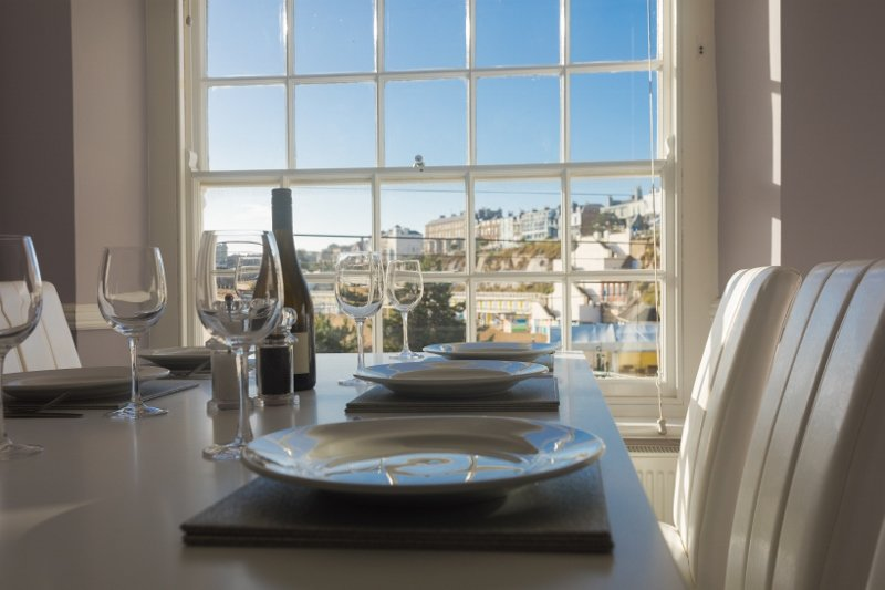 Barker Luxury Apartment, breathtaking sea views., vacation rental in Isle of Thanet