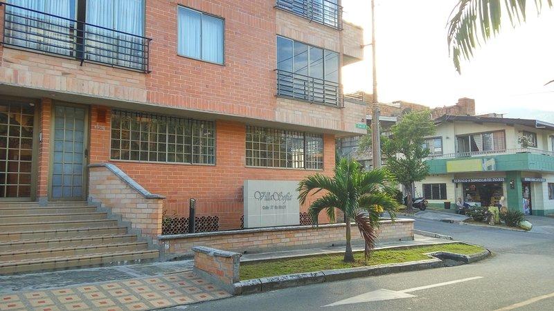 Hermoso Apto Loft Sector La America, holiday rental in San Jeronimo