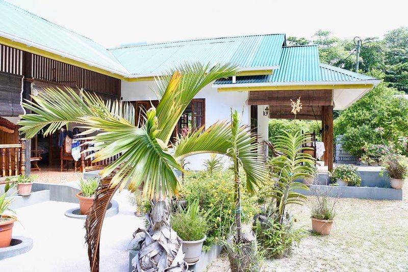 B&B chez Beryl / EDEN - Plage à 5mn, location de vacances à La Digue Island