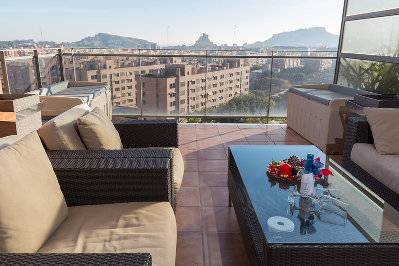 Fidalsa Penthouse Castle View, vacation rental in Agost