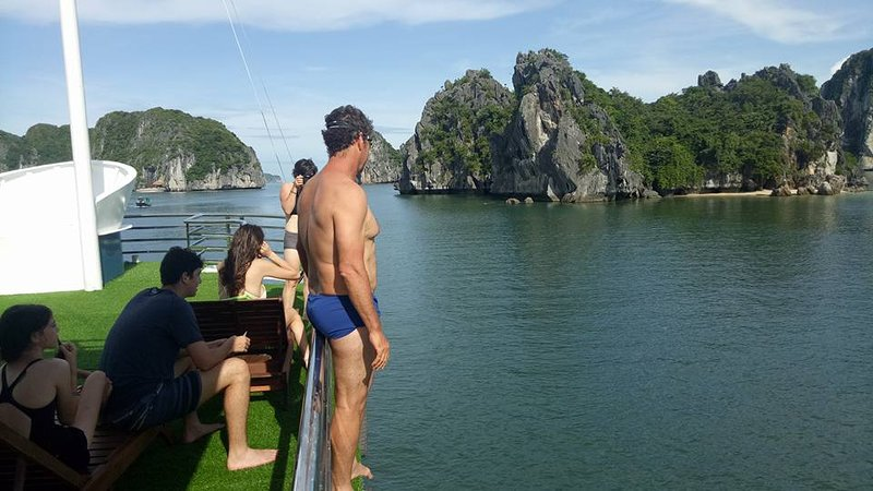 LAN HA BAY - HA LONG BAY - KAYAKING - MONKEY ISLAND  (2 DAY )  Departure: 11am, holiday rental in Cat Ba