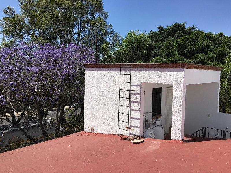 Private Room for One Person Expo Guadalajara, casa vacanza a Acatlan de Juarez
