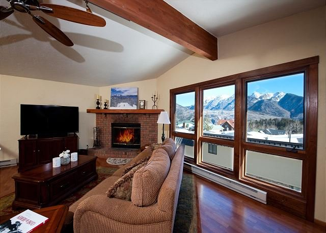 Affordable Ski in/Ski Out Condo - Awesome Views, holiday rental in Durango