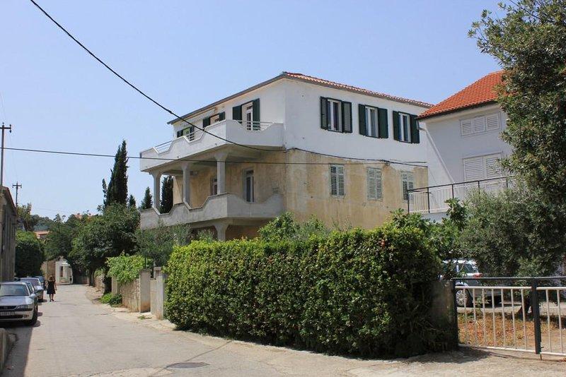 One bedroom apartment Preko, Ugljan (A-8292-a), alquiler de vacaciones en Preko