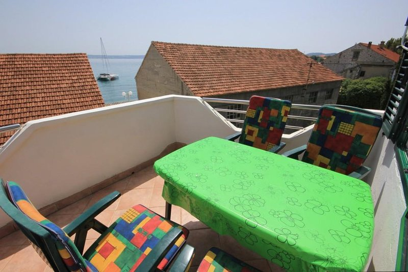 Preko Apartment Sleeps 5 with Air Con - 5468197, holiday rental in Preko