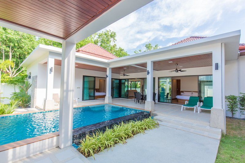 THE NEST- Vibrant 2BR Pool Villa, holiday rental in Ban Trisuk