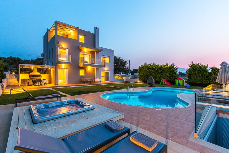 Heaven of luxury, tranquility and privacy!