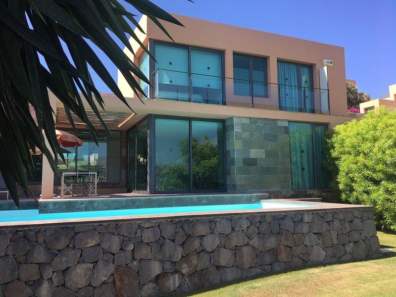Villa with private pool Salobre Villas Deluxe I, vacation rental in Montana La Data