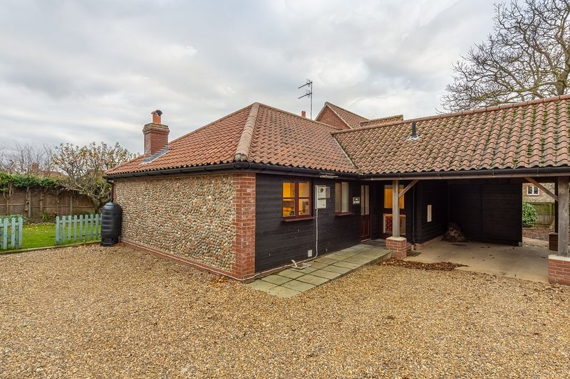 The Old Joinery, holiday rental in Holt